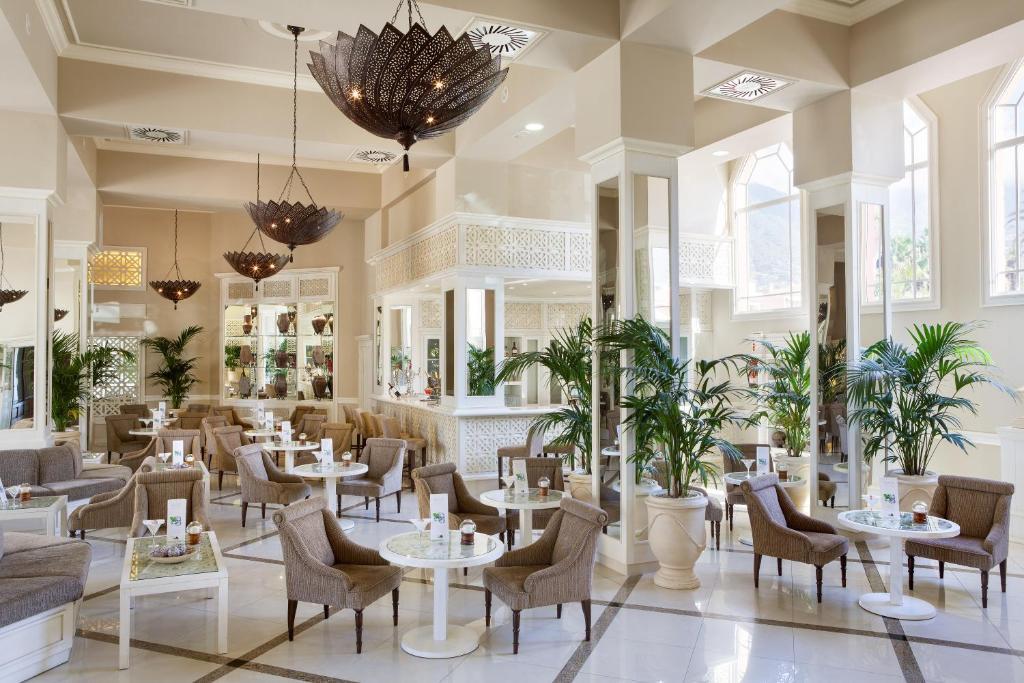 Hotel Riu Garoé 4*