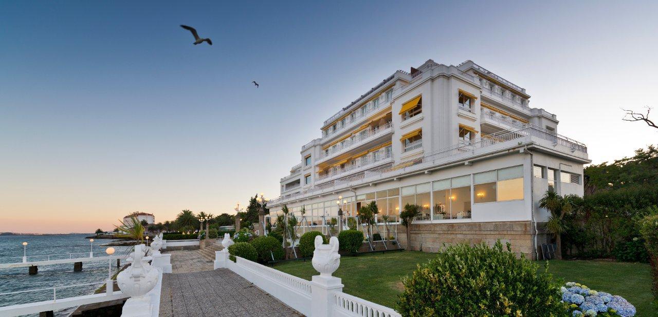 Ofertas fin de a o y nochevieja en o grove for Hotel luxury la toja